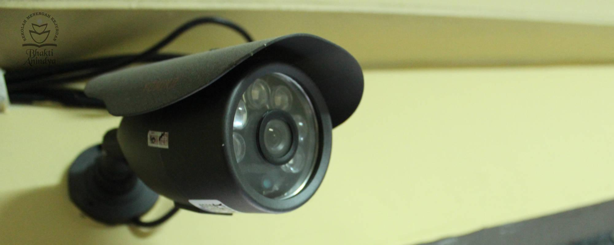 Fasilitas CCTV di Lab Bahasa SMK Bhakti Anindya Tangerang
